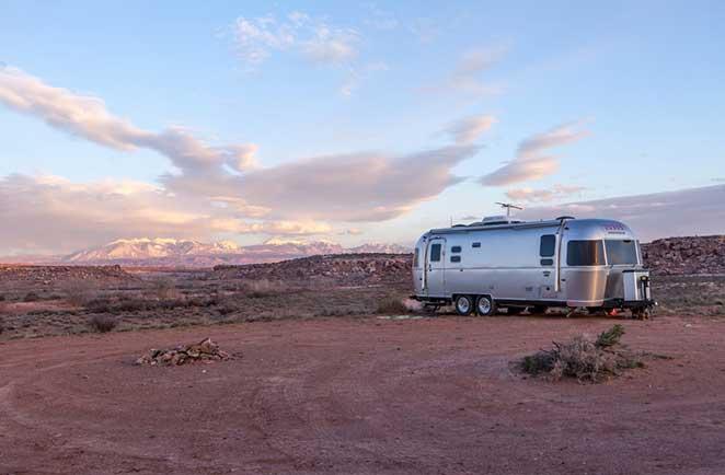 epargner malin assurance caravane. Black Bedroom Furniture Sets. Home Design Ideas